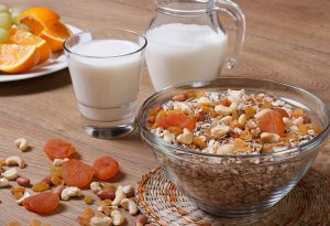 cashew nuts with breakfast cereal