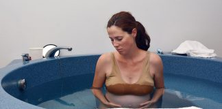 Water Birth Delivery - Benefits & Risks