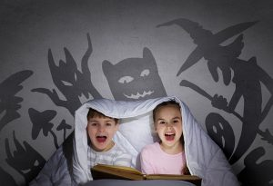 Cemetery Garlands - Scary Campfire Stories for Kids