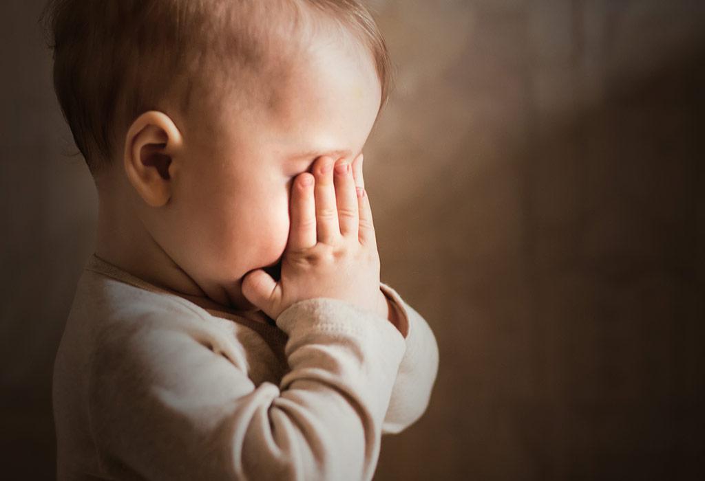 छोटे बच्चों में सेपरेशन एंग्जायटी के संकेत