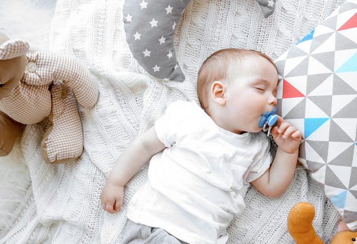 Pacifier For Babies- Benefits, Risks And Tips To Use Them
