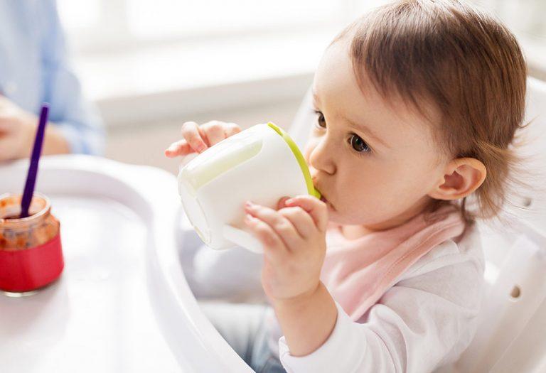 अगर आपका बच्चा गाय का दूध पीने से इनकार करता है तो क्या करें?