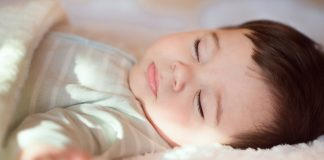 How Much Sleep Does a Baby Need (Newborn to 12 Months Old)