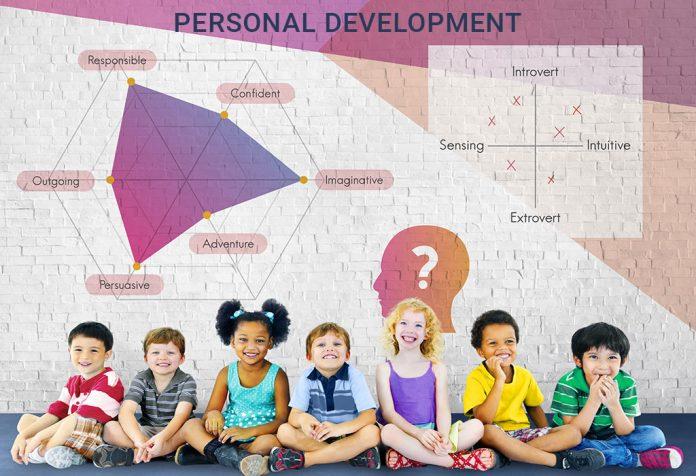 बच्चों की पर्सनालिटी डेवलपमेंट (व्यक्तित्व विकास) के लिए 10 टिप्स