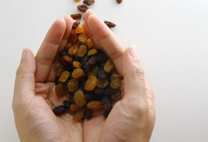 How Many Raisins Should You Eat While Pregnant?