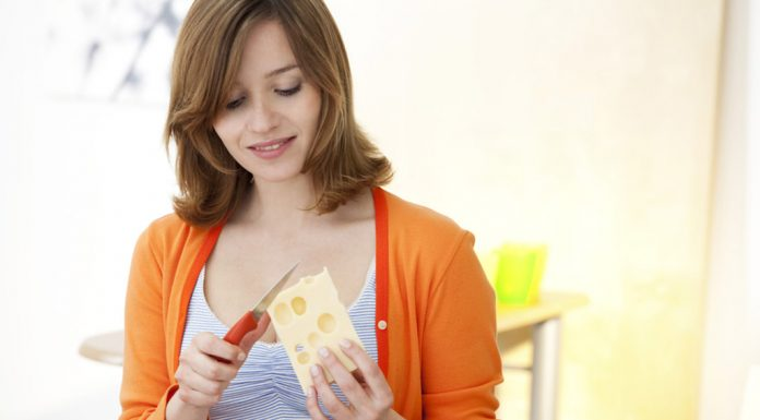 A Guide to Eating Cheese During Pregnancy