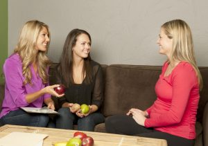Pregnant woman consulting nutrition expert