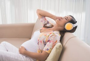 Benefits of Listening Music While Pregnant