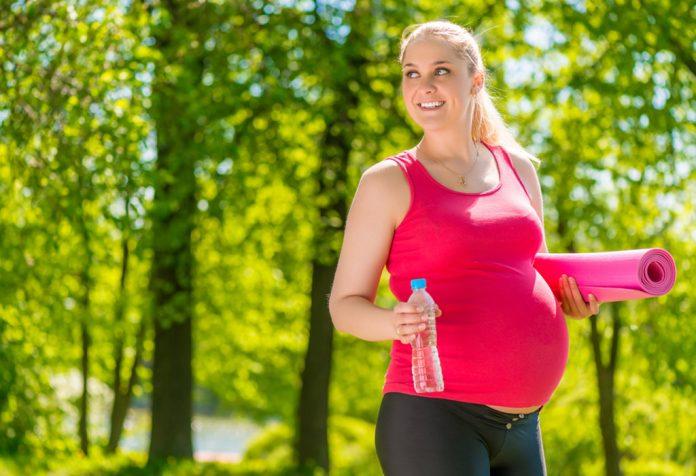 गर्भावस्था में सुरक्षित रूप से टहलने के लिए उपयोगी टिप्स