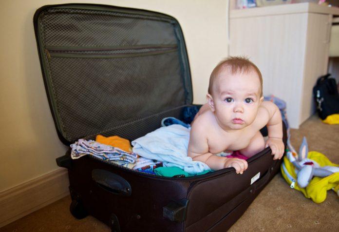 शिशु के साथ सफर करना - किन चीजों को नजरअंदाज न करें