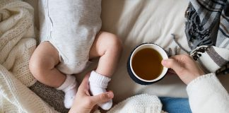 Consuming green tea during breastfeeding