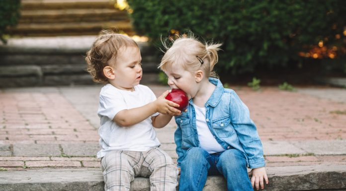 20 Good Manners to Teach Your Kids