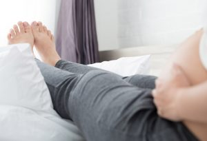 Symptoms of Protein in Urine:Swelling of feet