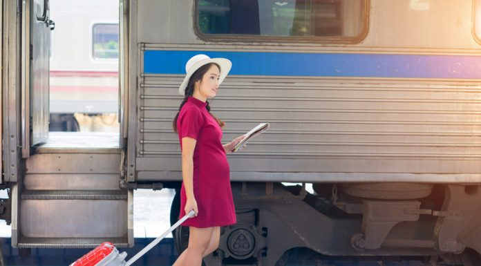 Things You Should Know While Travelling By Train During Pregnancy
