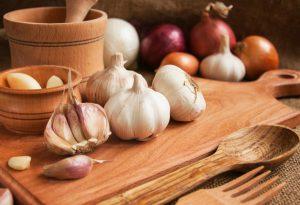 Eating Garlic In Pregnancy - Benefits & Healthy Recipes