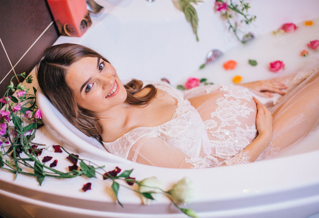Hot Water Bath while Pregnant: Benefits & Is It Safe or Not