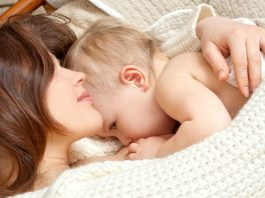 Most common breastfeeding problems & their solutions