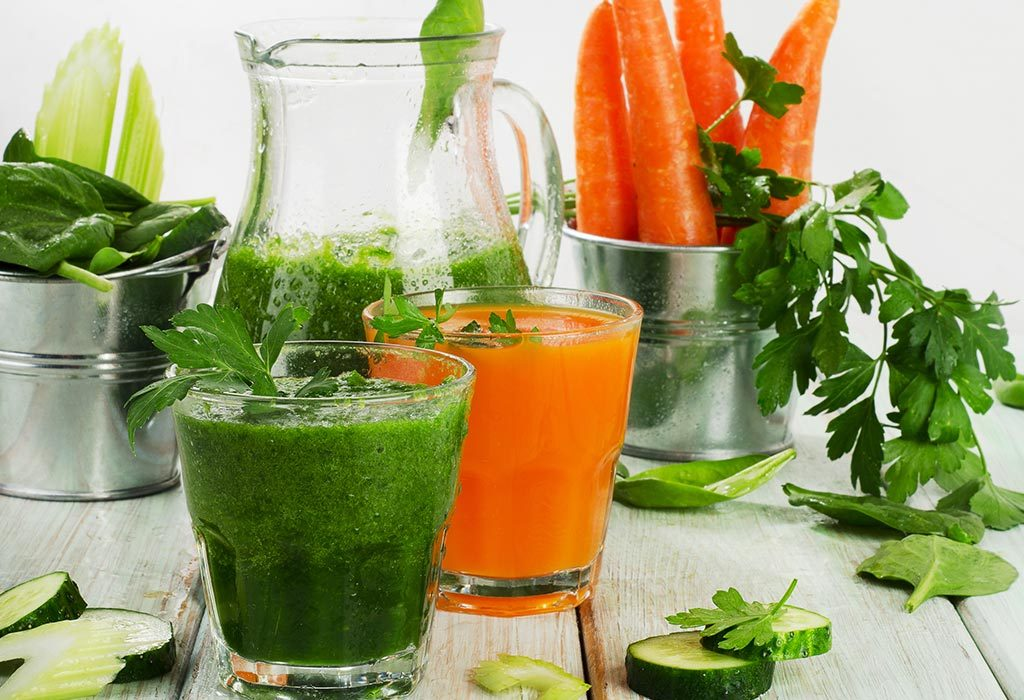 Give carrot and spinach juice to treat Jaundice Naturally