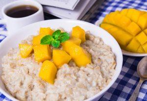 Oats and mango porridge