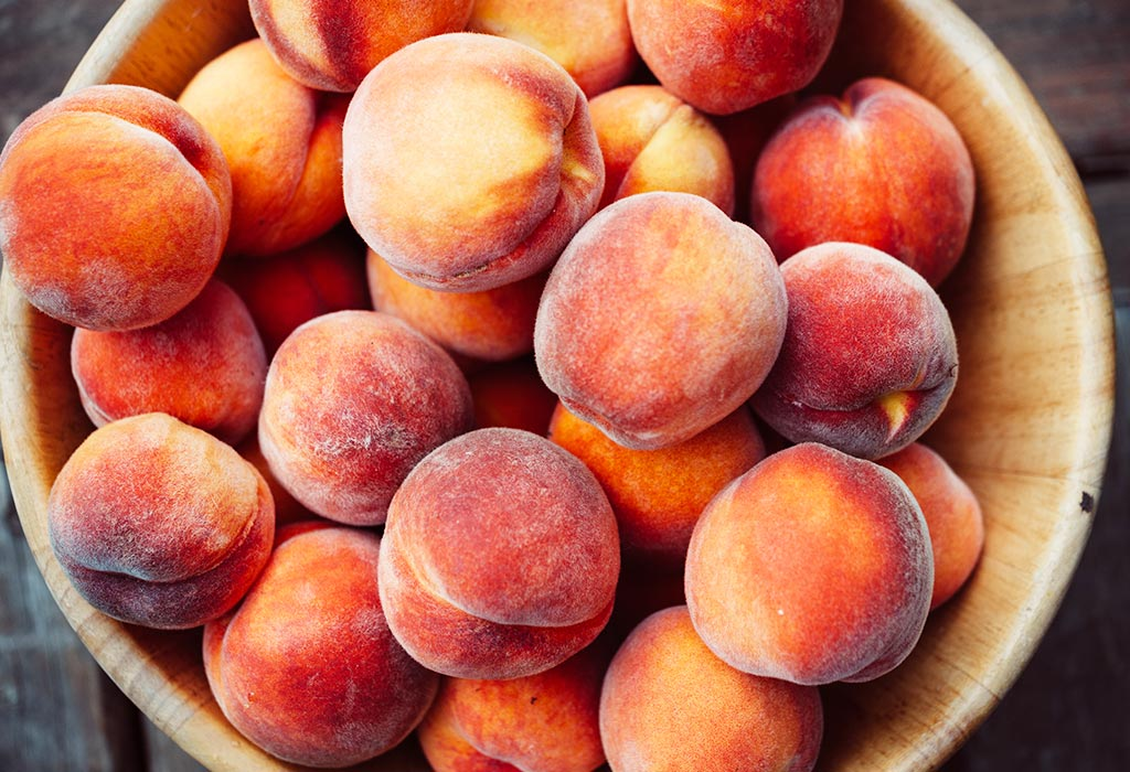 Can You Eat Peaches During Pregnancy?