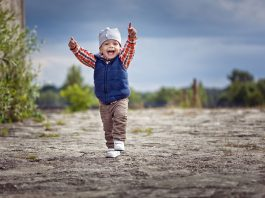 24 মাসের(2 বছর বয়সী)শিশুর বৃদ্ধি এবং বিকাশ