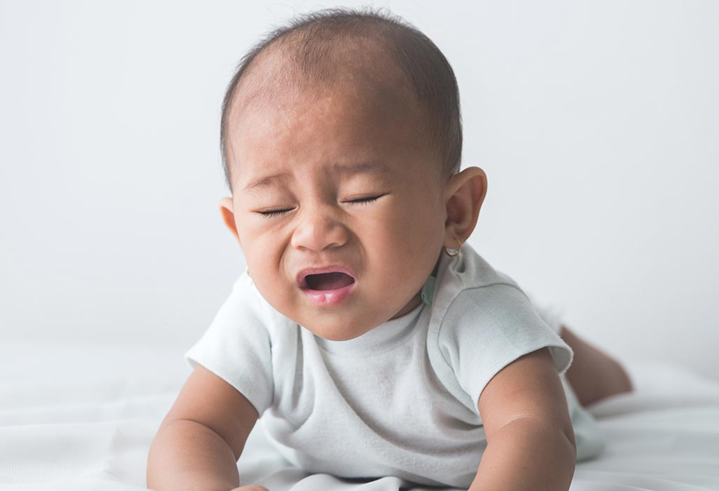 Baby Sneezing: Causes, Signs and When to Worry