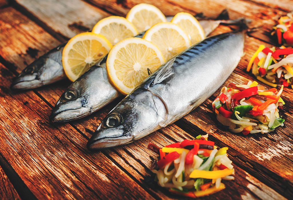 Fish That Are Safe to Eat While Breastfeeding