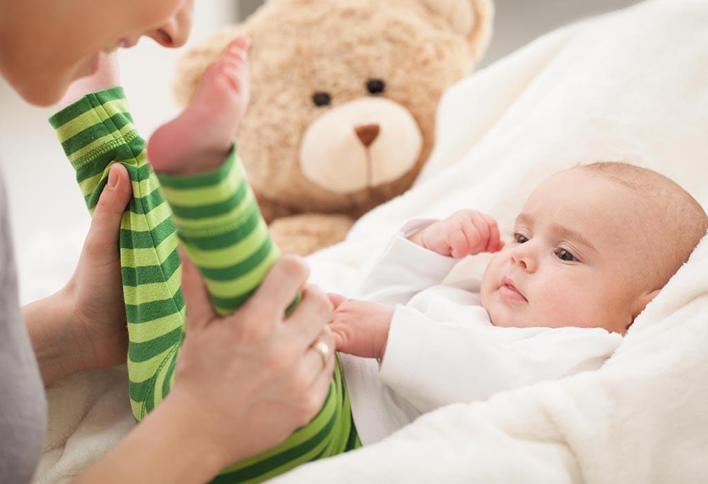 बाळ खेळत असताना सुद्धा काळजी घ्या
