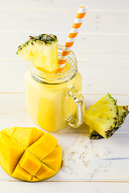 Tasty Mango and Pineapple Smoothie