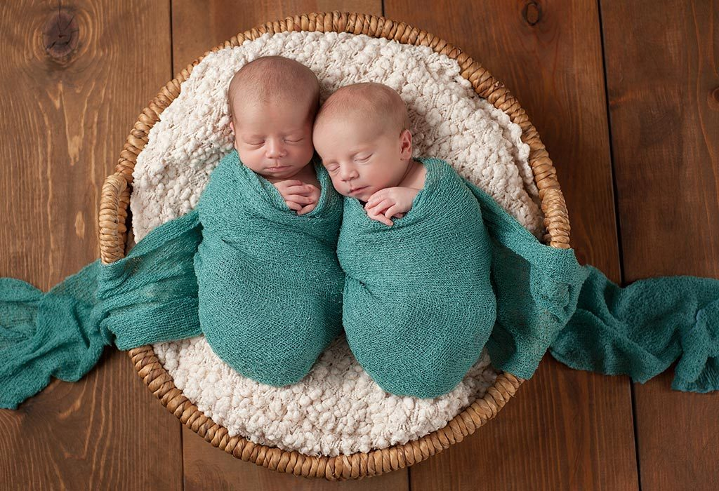 CHOOSING NAMES FOR TWIN BABY BOYS