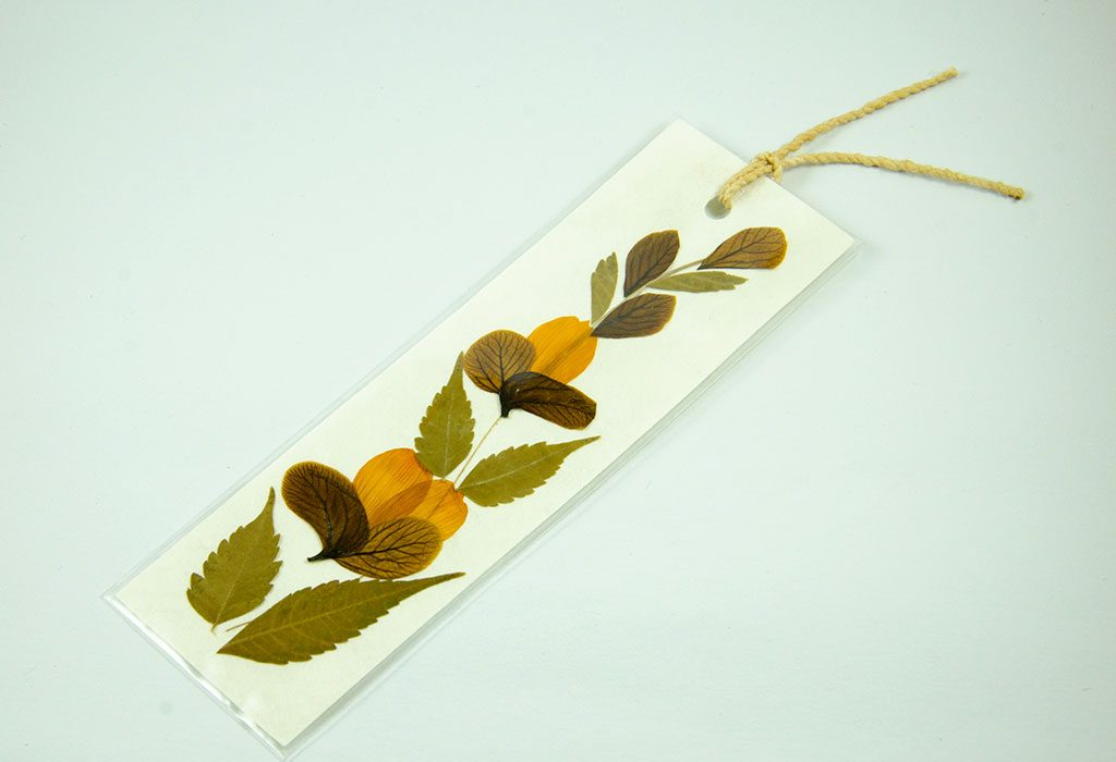 Bookmark made with dried flowers