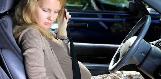 Pregnant woman wears seatbelt