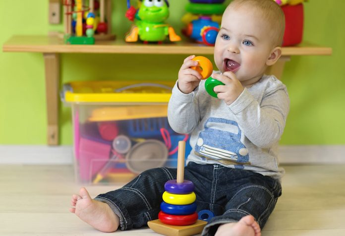 10 से 12 महीने (1 साल) के शिशु के लिए खिलौने