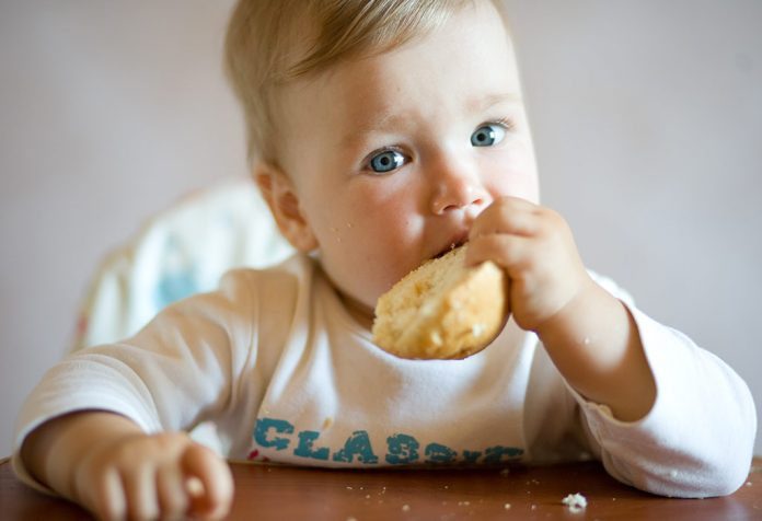 When and How to Introduce Bread to Babies