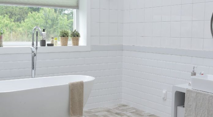 5 easy hacks for a super chic bathroom