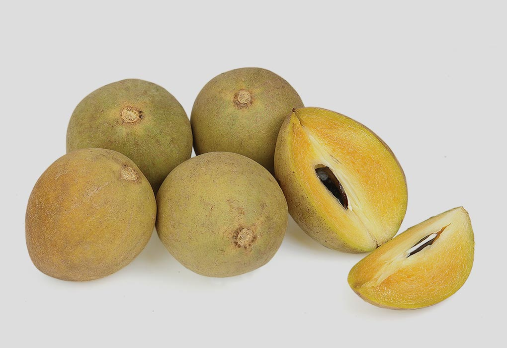Eating Chikoo Fruit during Pregnancy: Health Benefits & Side Effects