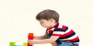 preschoolers playing Block