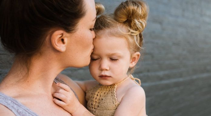 New Study Proves Moms Are The Bravest in Coping With Illness – WITHOUT Troubling The Family