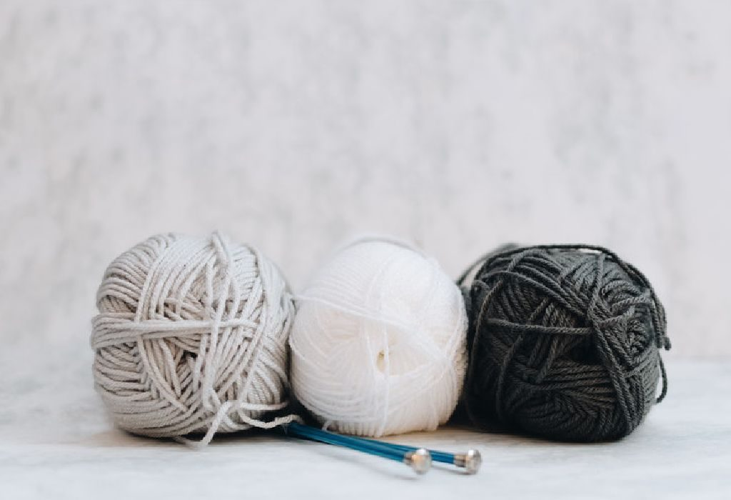 instruments for knit a sweater