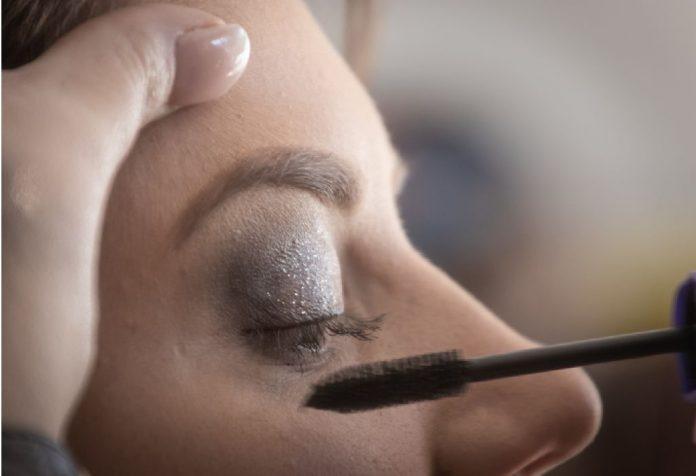 emergency beauty hacks that will work wonders on your date night