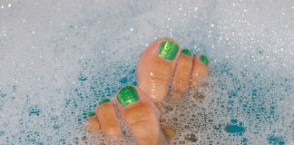 get beautiful feet with easy 9 step home pedicure