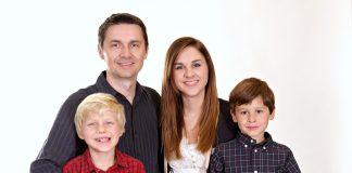 Do Parents Have a Favourite Child? Study Says, Depends on Parent's Gender!