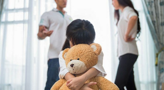 10 negative effects of parents fighting in front of children