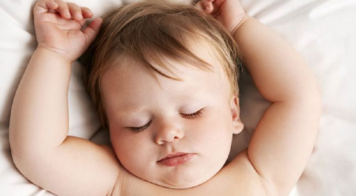 12 Wrong Sleeping Habits That Can Harm Your Baby