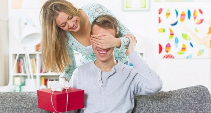 14 handmade gift ideas for husbands for every special occasion-min