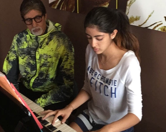amitabh bachchan with his granddaughter navya