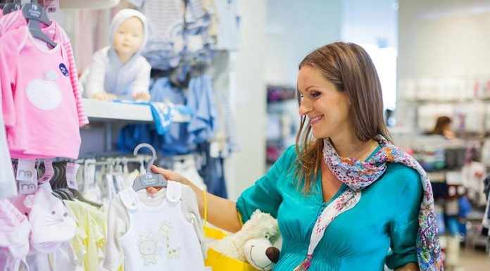 How to Choose and Buy Clothes for Your Baby
