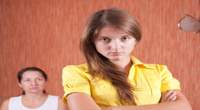 3 Steps to Heal a Frayed Mom-Daughter Relationship