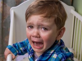 tips to put your toddlers bedtime tantrums to sleep