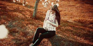 5 types of trendy maternity footwear